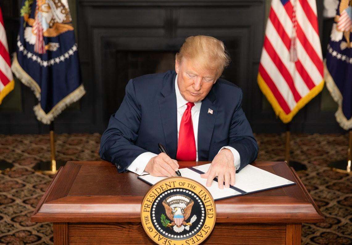"""""""فورين بوليسي"""": العقوبات على إيران لن تخدم مصالح الولايات المتحدة"""