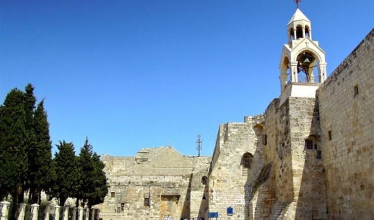 بعد ألف عام.. المزود الخشبي الذي حمل المسيح يعود إلى بيت لحم في فلسطين