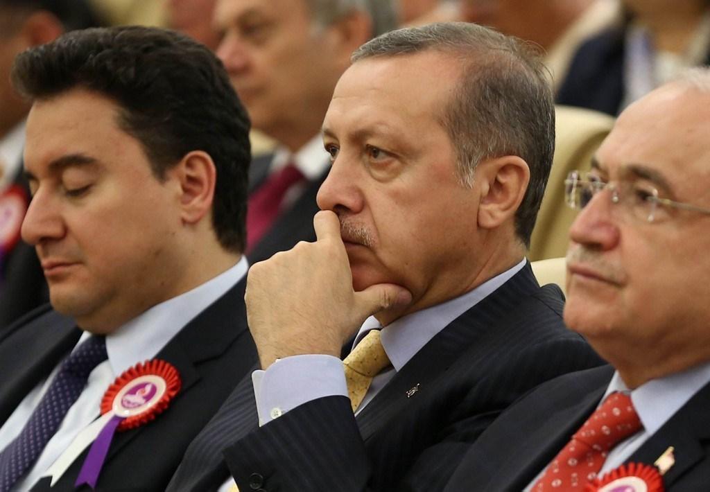 وزير الاقتصاد التركي السابق: تركيا في نفق مظلم