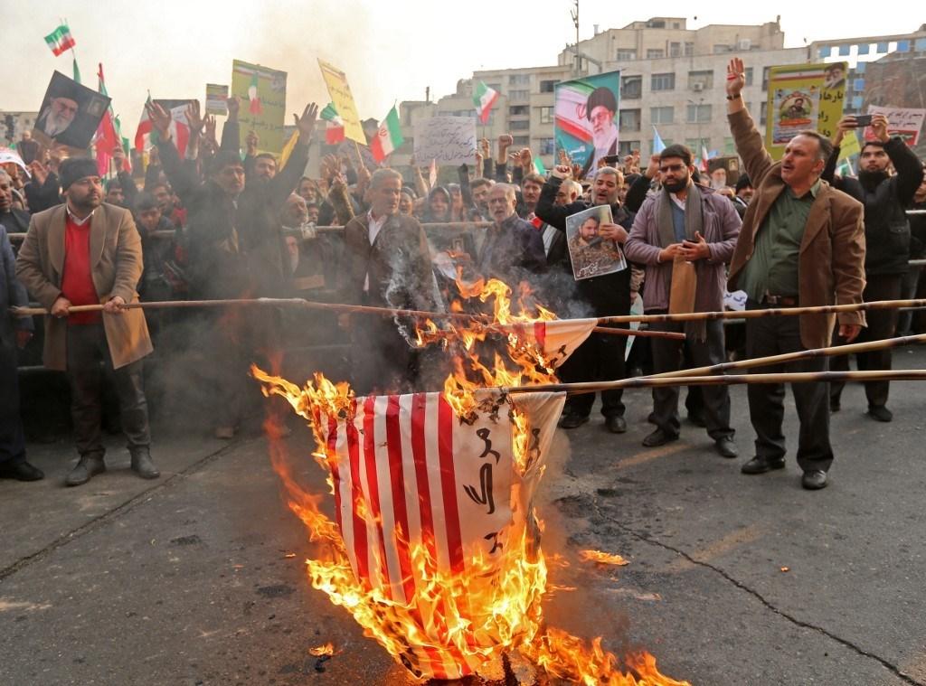 لا تلعبوا بالنار مع إيران!