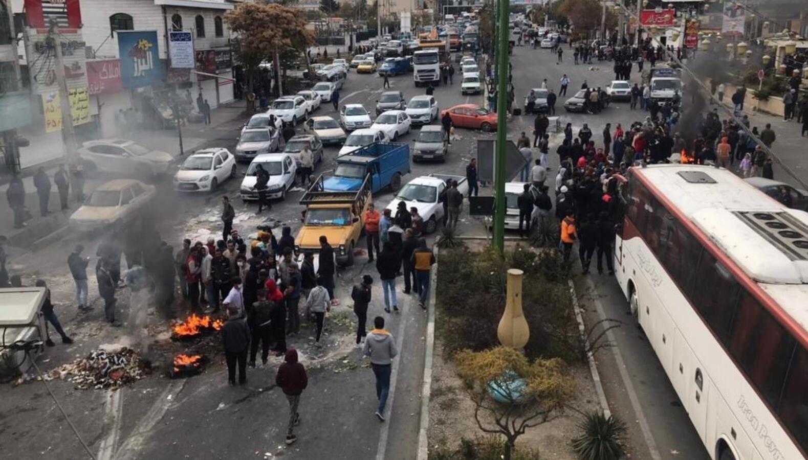 وزارة الأمن الإيرانية تعتقل أشخاصاً بتهمة التعامل مع الخارج