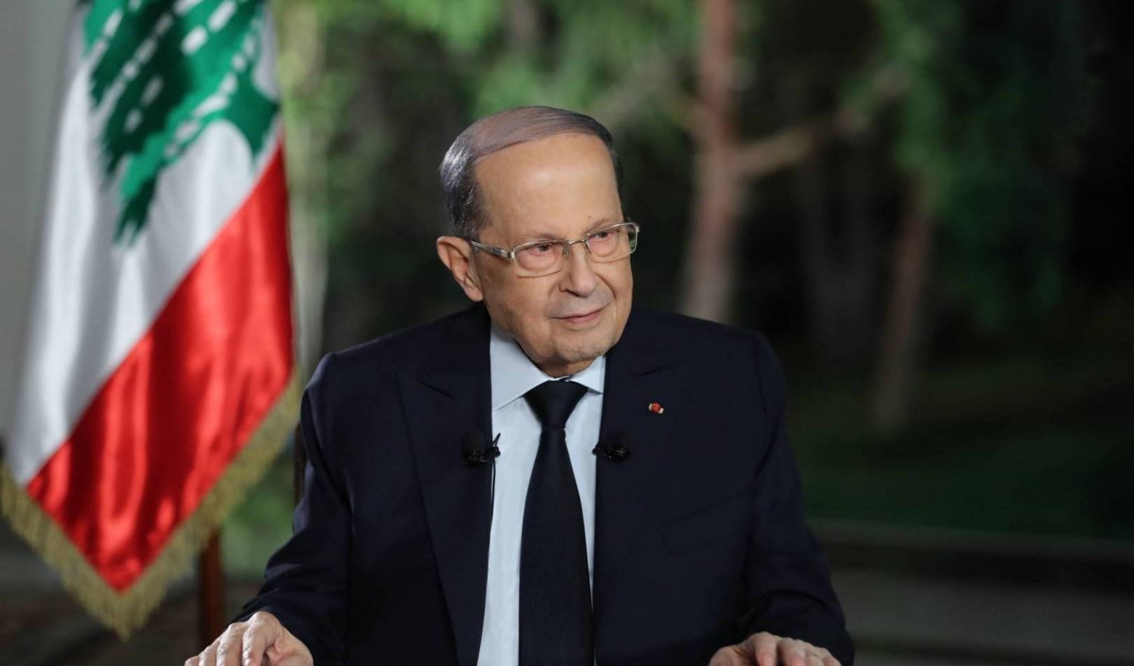 الرئيس اللبناني يعقد اجتماعاً لبحث الأزمة المالية في البلاد