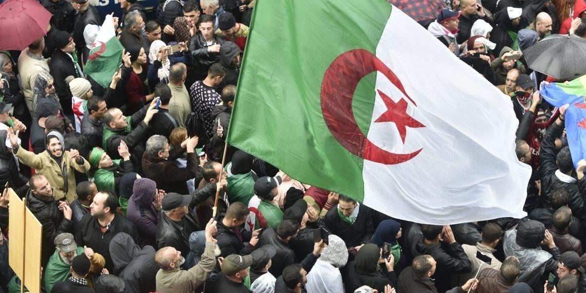 الجزائر.. عصر المُفارَقات الكاريكاتورية