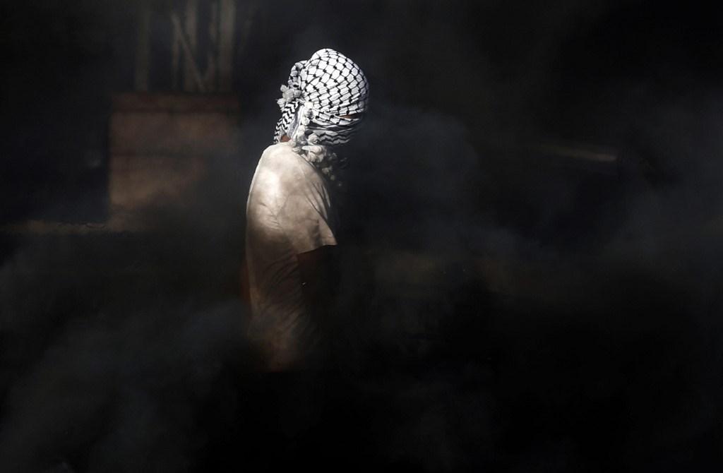 استشهاد فتى فلسطيني برصاص قوات الاحتلال في الخليل ليلاً