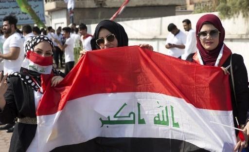 تجمعات تهتف بالسلمية في بغداد والرئيس يدعو للاتفاق على شخصية لرئاسة الحكومة