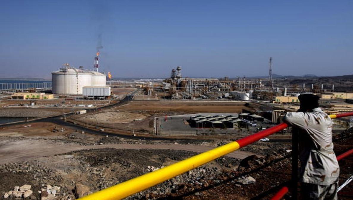 حكومة صنعاء تكشف عن عائدات النفط اليمني للشهر الماضي