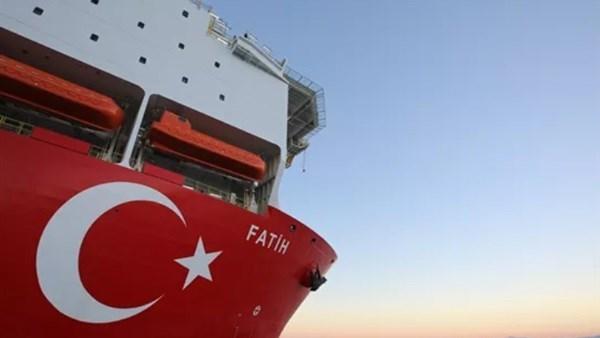 قوات حفتر تعلن نيتها إغراق أي سفينة تركية تقترب من السواحل الليبية