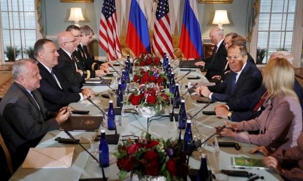 لافروف يؤكد من واشنطن ضرورة تحرير إدلب من الإرهابيين