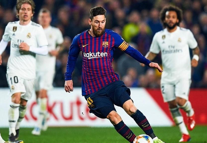 """أجواء """"الكلاسيكو"""" بدأت... ماذا قال ميسي عن ريال مدريد؟"""