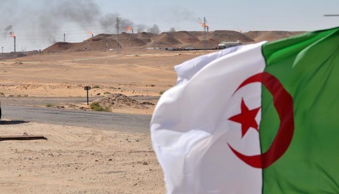 """""""المحروقات"""" في الجزائر.. ملفٌ شائِكٌ بانتظار تَبون!"""