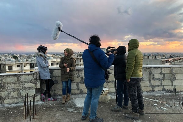 """""""جميلة"""" قصة أمّ سوريّة يرويها مخرج إيراني في فيلم وثائقي"""