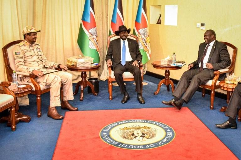 طرفا النزاع في جنوب السودان يتفقان على تشكيل حكومة بغضون شهرين
