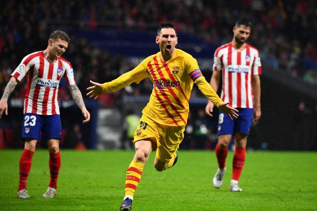 برشلونة يعود بفوز ثمين من مدريد