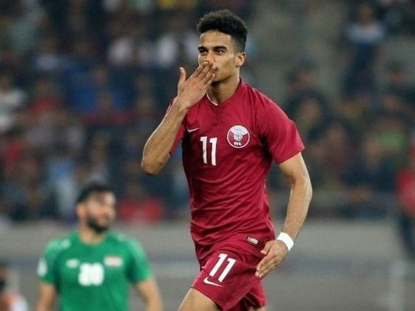 أكرم عفيف أفضل لاعب في آسيا .. قطر تستمر في سيطرتها