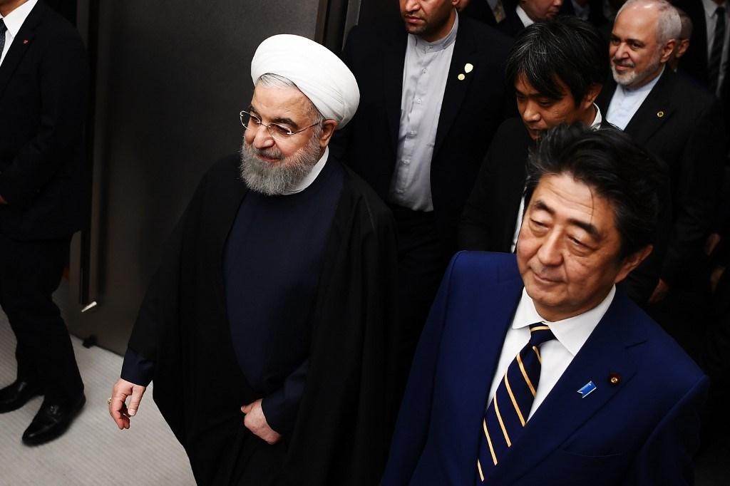 هل ينجح آبي بما فشل به ماكرون بين طهران وواشنطن؟