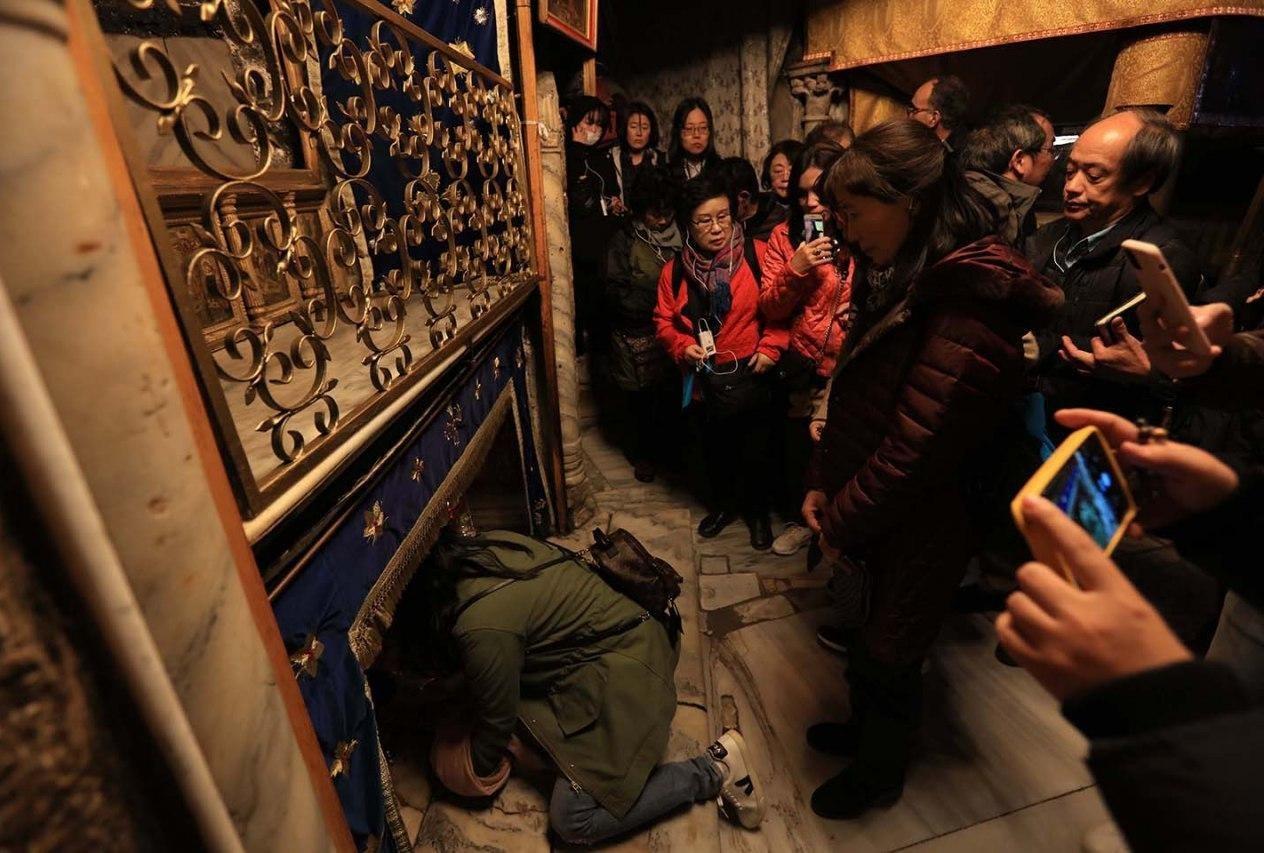 بيت لحم تحيي ليلة الميلاد... والفلسطينيون يحتفلون على أنقاض منازلهم