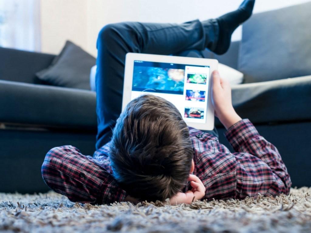 """""""يوتيوب"""" في 2020: نحو إقصاء محتوى الأطفال حمايةً لهم"""