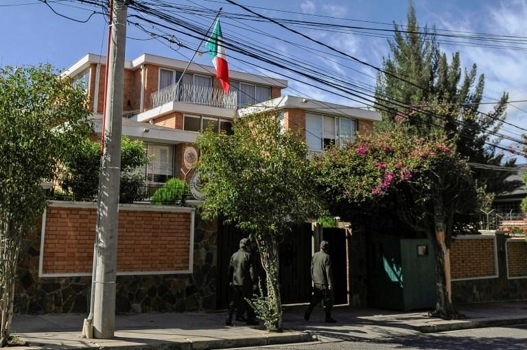 المكسيك تهدد بمقاضاة بوليفيا أمام محكمة العدل الدولية بعد التضييق على سفارتها