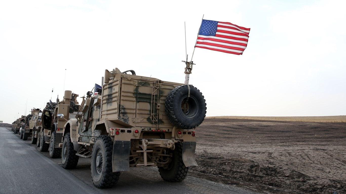 مقتل متعاقد أميركي وجرح آخرين بصواريخ على قاعدة عسكرية قرب كركوك
