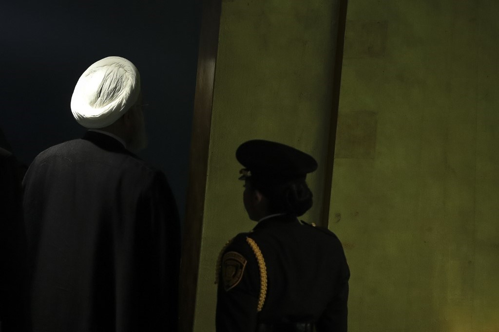 """""""بلومبرغ"""": بعد أن أوصلها ترامب إلى الهاوية.. دول الخليج تتراجع أمام إيران"""