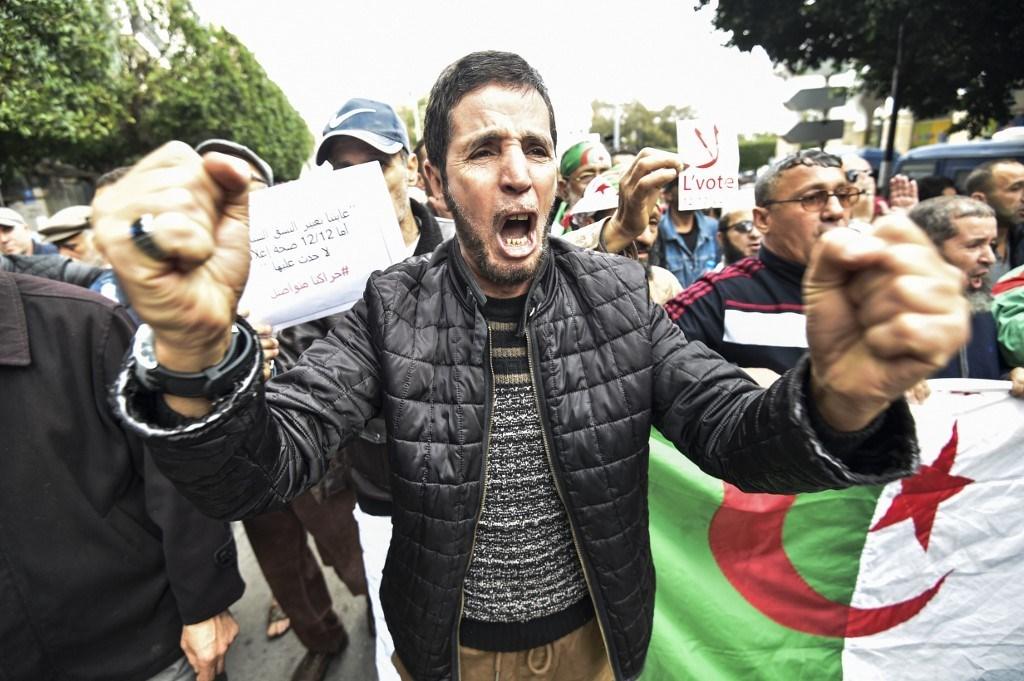 وزير الداخلية الجزائري يهاجم المعارضين للانتخابات الرئاسية المرتقبة