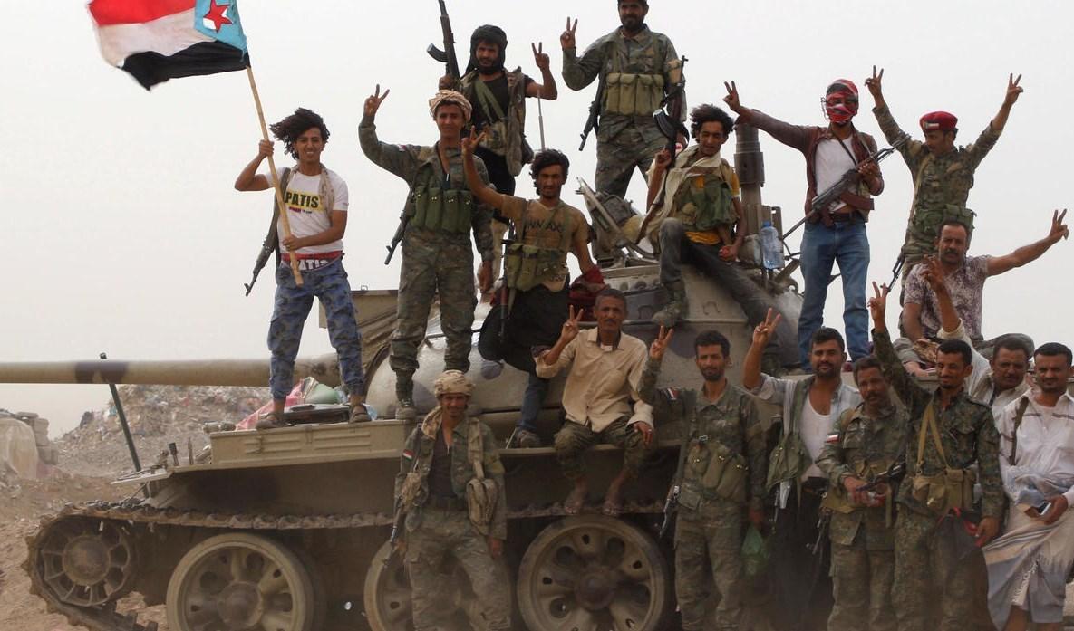 إتهامات متبادلة بين المجلس الانتقالي وقوات هادي حول اشتباكات أبين