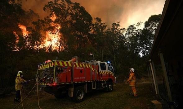 قتلى في سيول بأوغندا.. وحرائق ضخمة في استراليا