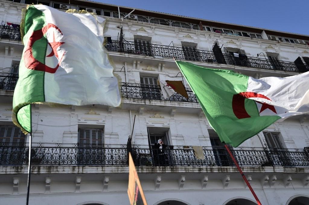 مناظرة تلفزيونية وصفت بالتاريخية بين المرشحين إلى الرئاسة في الجزائر