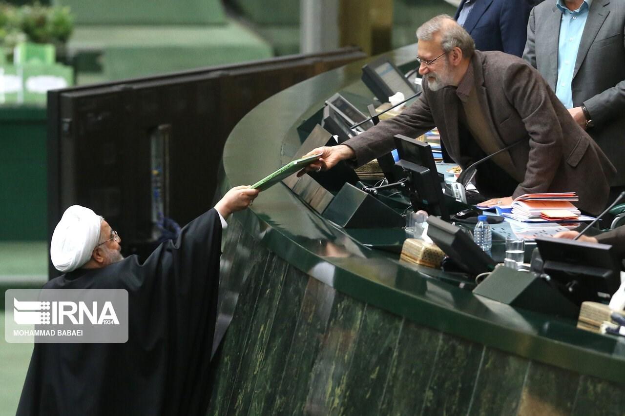 روحاني خلال تقديم موازنة بلاده: يمكننا إدارة الاقتصاد رغم العقوبات