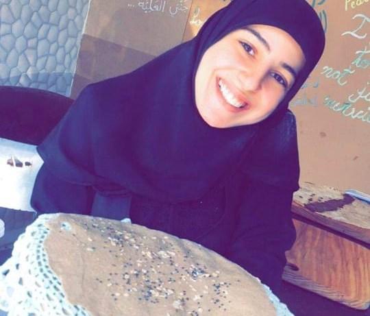 """انقسام لبناني على مواقع التواصل: هل أمل صاحبة المخبز """"جريمة""""؟"""