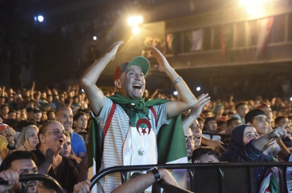 1 2 3... عاشت الجزائر