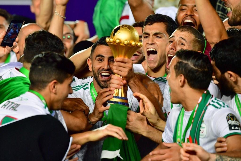 """قفزة هائلة للجزائر في تصنيف """"الفيفا"""""""
