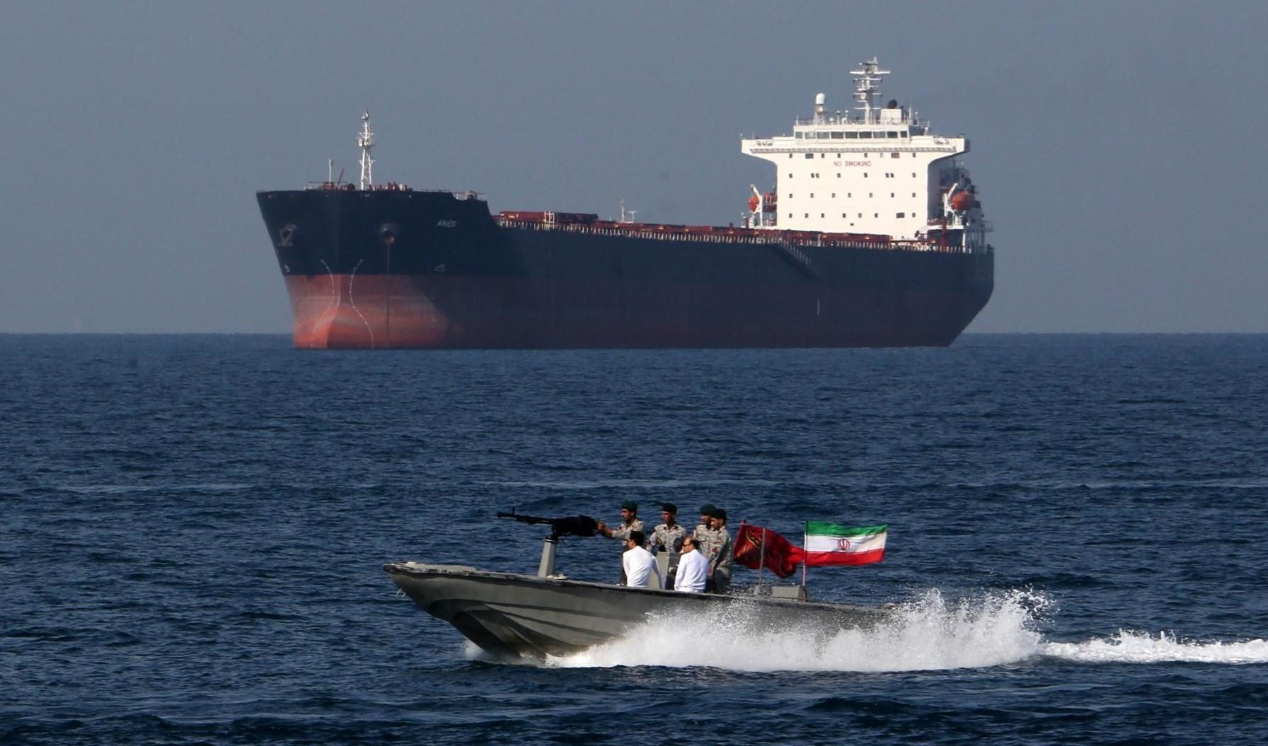 ما سبب استدارة الإمارات نحو طهران؟