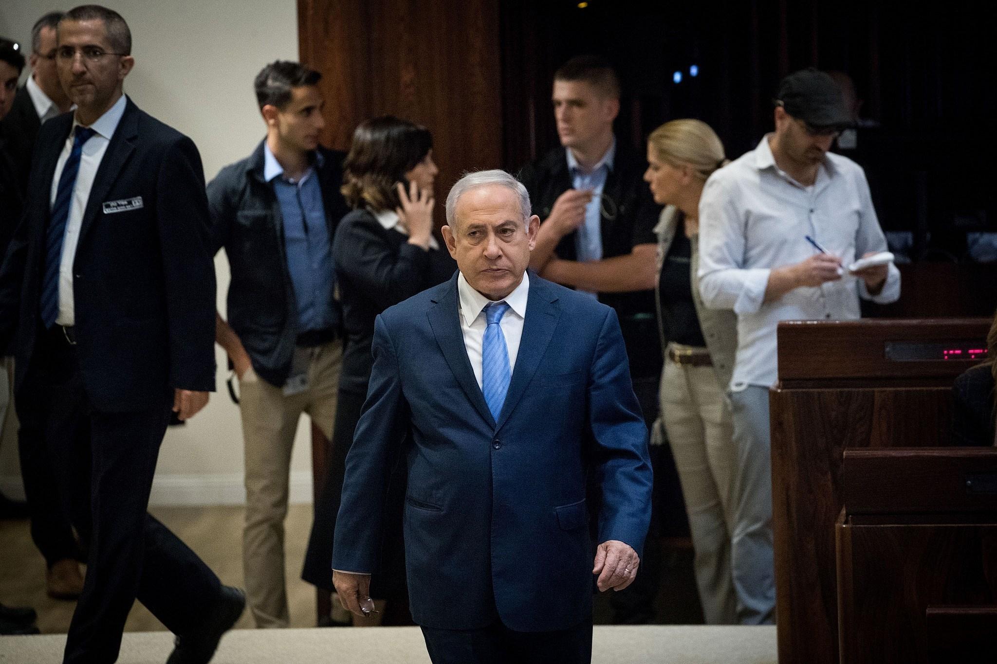 """نتنياهو يتوجه لطلب الحصانة.. """"إجراء مؤقت""""؟"""