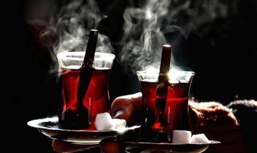 دراسة جديدة: اشربوا مزيداً من الشاي لعمر أطول