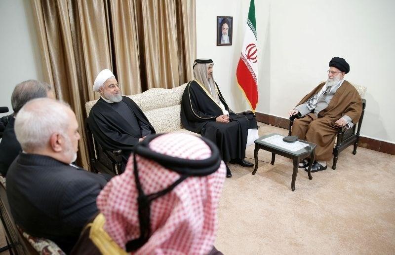السيد خامنئي لأمير قطر: بعض الدول لاترغب بتعزيز التعاون بين دول المنطقة