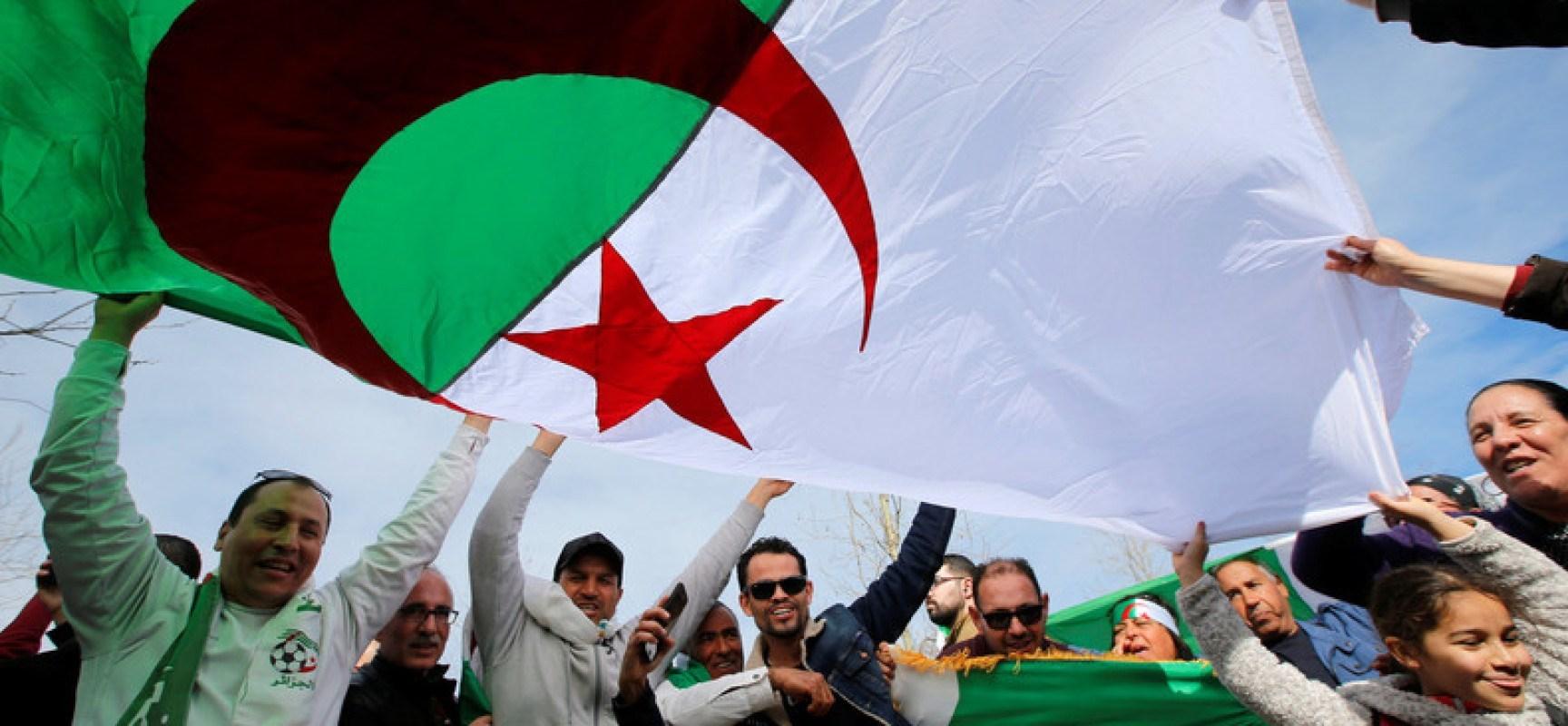الجزائر.. عواصف الحراك والتغيير السلمي