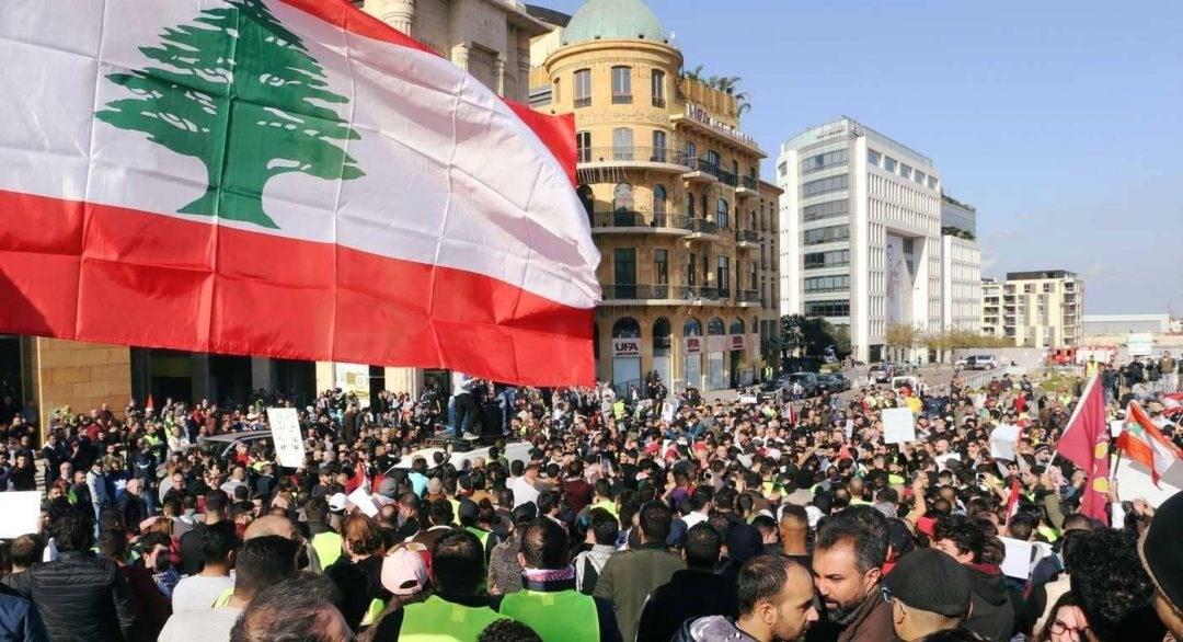 الشرق حامِلاً نفائسه.. هل يفتح لبنان الأبواب؟