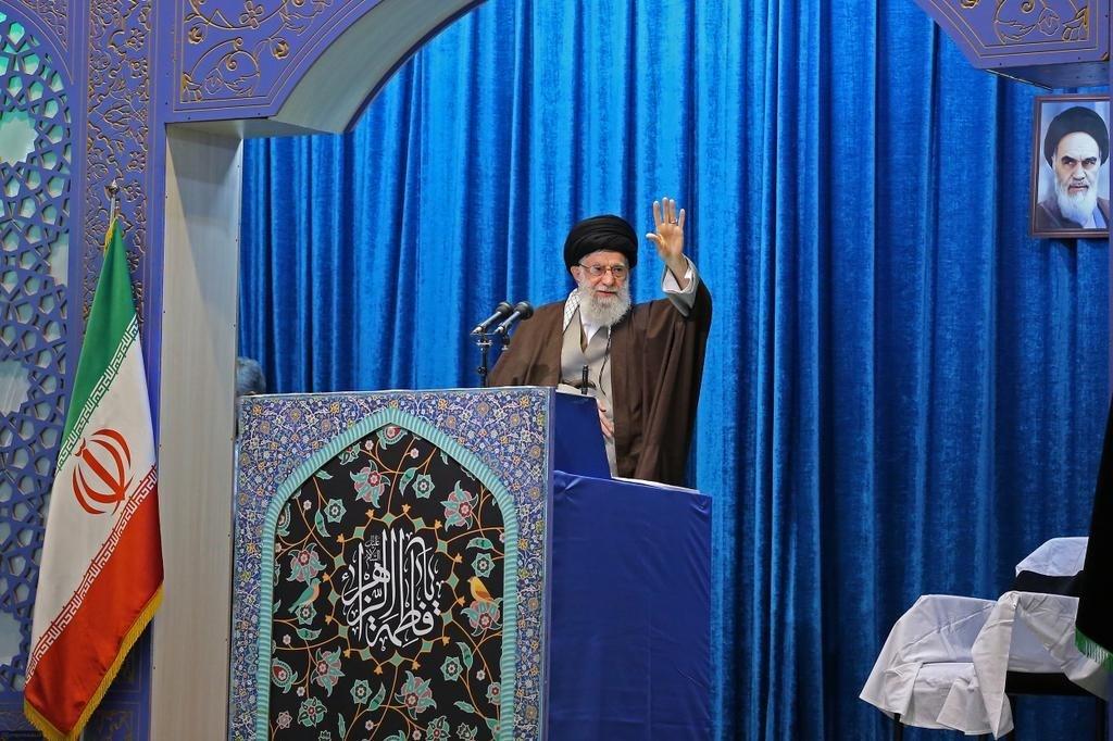 السيد خامنئي للعرب: مصير المنطقة يتوقف على تحررها من الهيمنة الأميركية وتحرر فلسطين