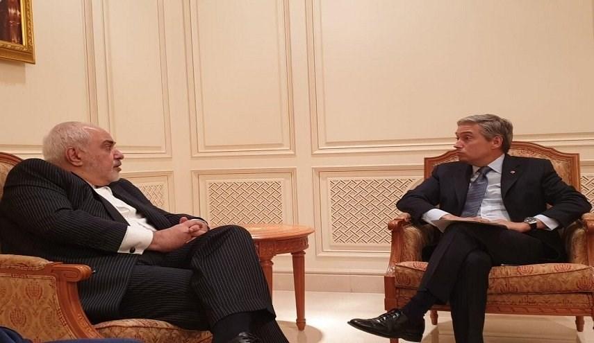 """ظريف يلتقي نظيره الكندي في مسقط للتباحث بشأن """"الطائرة الأوكرانية"""""""