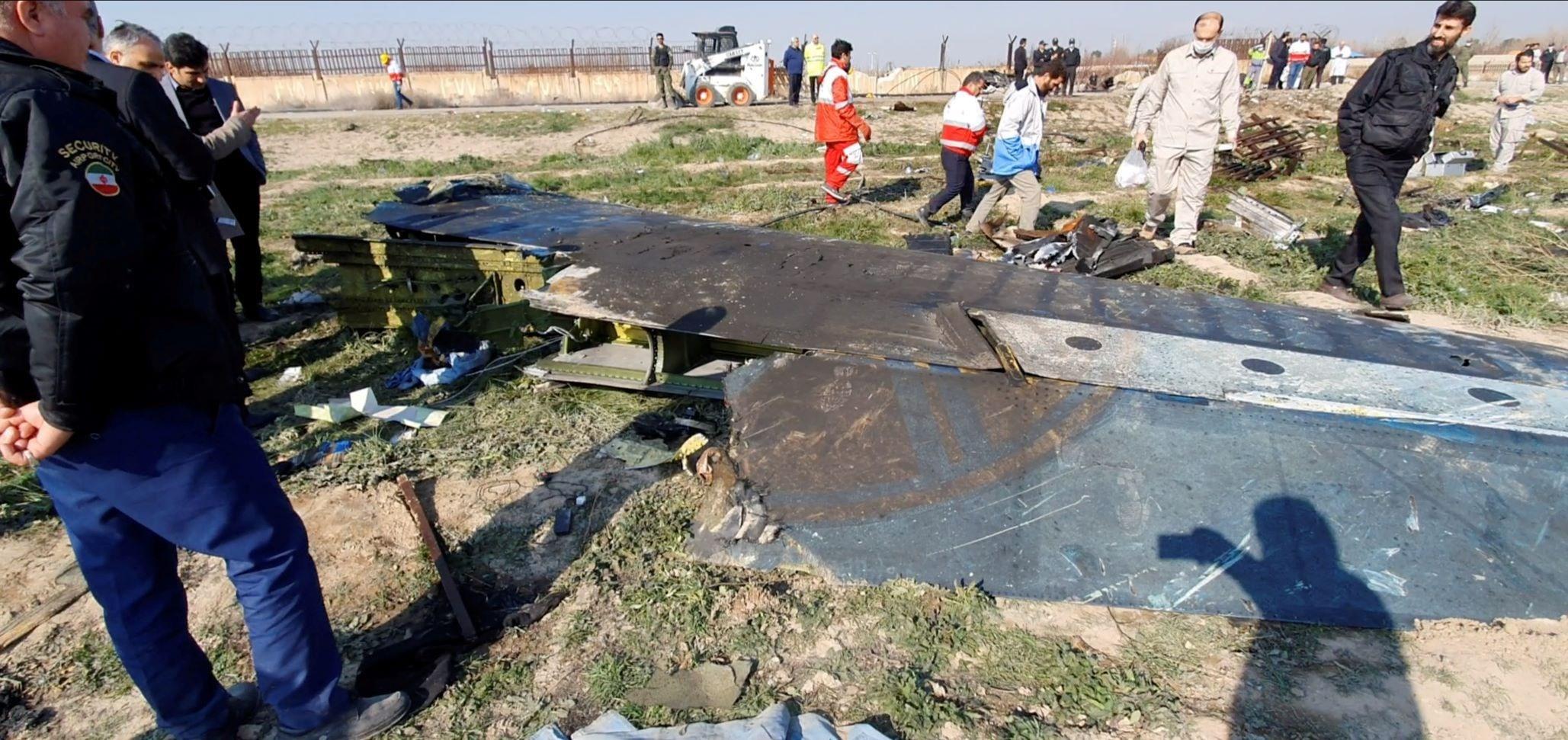 """ضابط سابق في """"سي آي إي"""": تشويش مقصود تسبب بتحطم الطائرة الأوكرانية؟"""