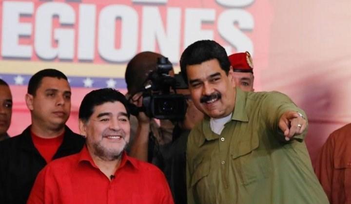 مارادونا في فنزويلا دعماً لصديقه مادورو