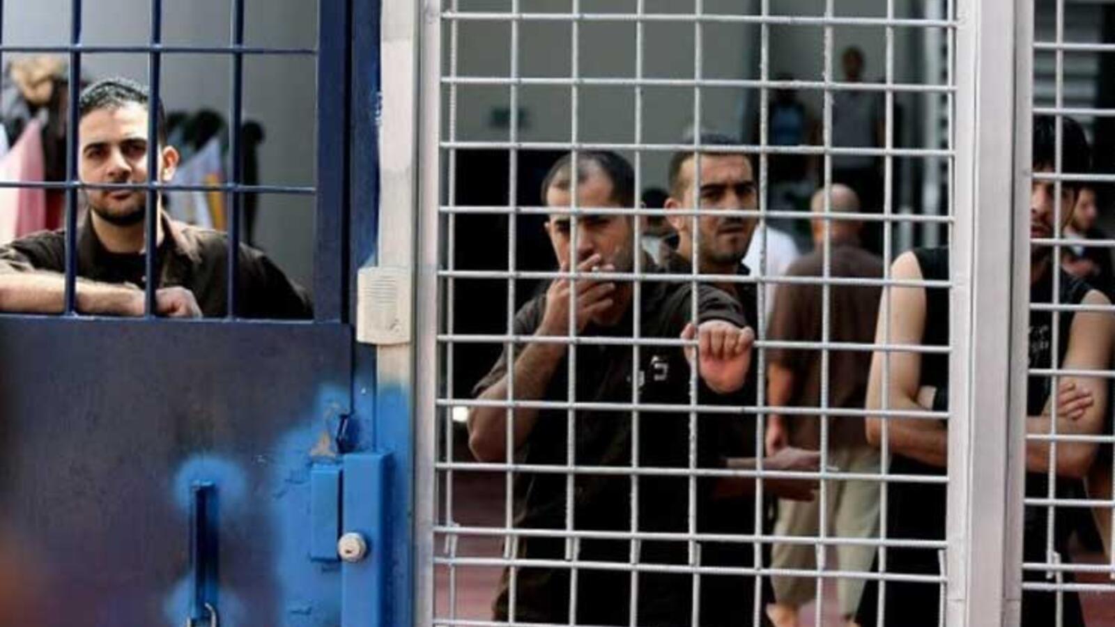 عبد الناصر فروانة: 540 أسيراً فلسطينياً في سجون الاحتلاليقضون أحكاماً بالسجن المؤبد