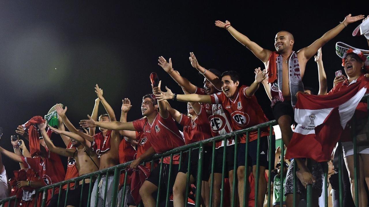 عودة الحياة إلى كرة القدم التشيلية