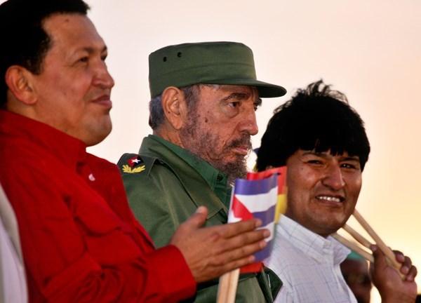 بوليفيا تعلّق علاقاتها الدبلوماسية بكوبا
