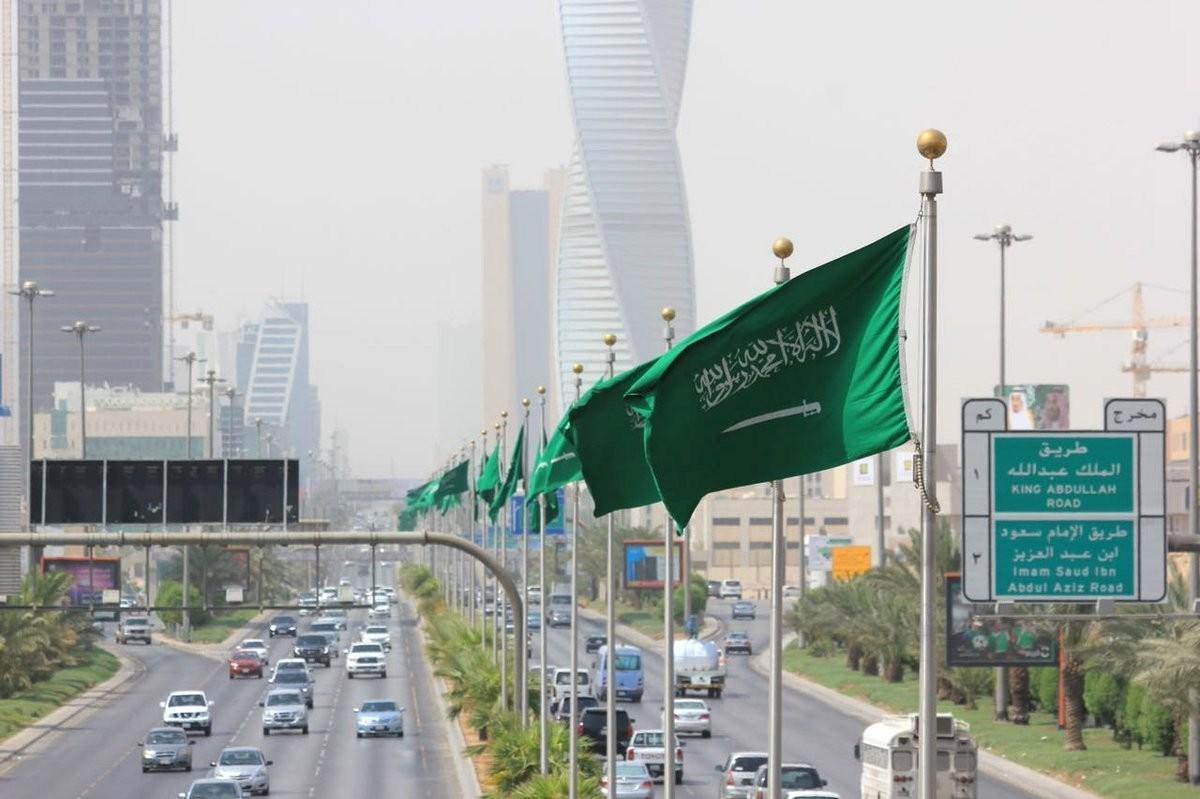 """زيارة إسرائيلية إلى السعودية: في عهد الإصلاحات """"لم تعد صحراء وجِمال""""!"""