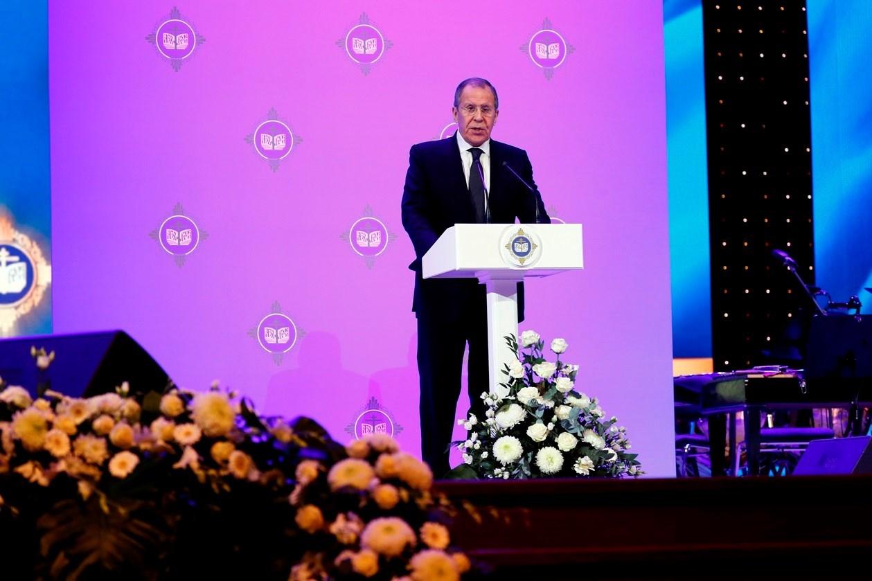 """لافروف يدعو إلى ضرورة """"استسلام الإرهابيين"""" في إدلب"""