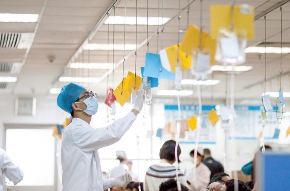 بكين: علاج المصابين بالكورونا يستغرق أسبوعاً واحداً