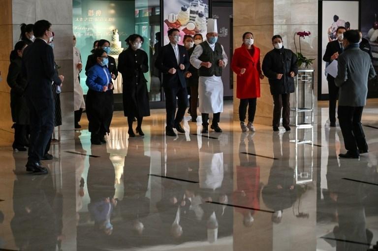 """بسبب """"كورونا"""".. الصين توصي مواطنيها بإرجاء رحلاتهم واليابان تجلي رعاياها"""
