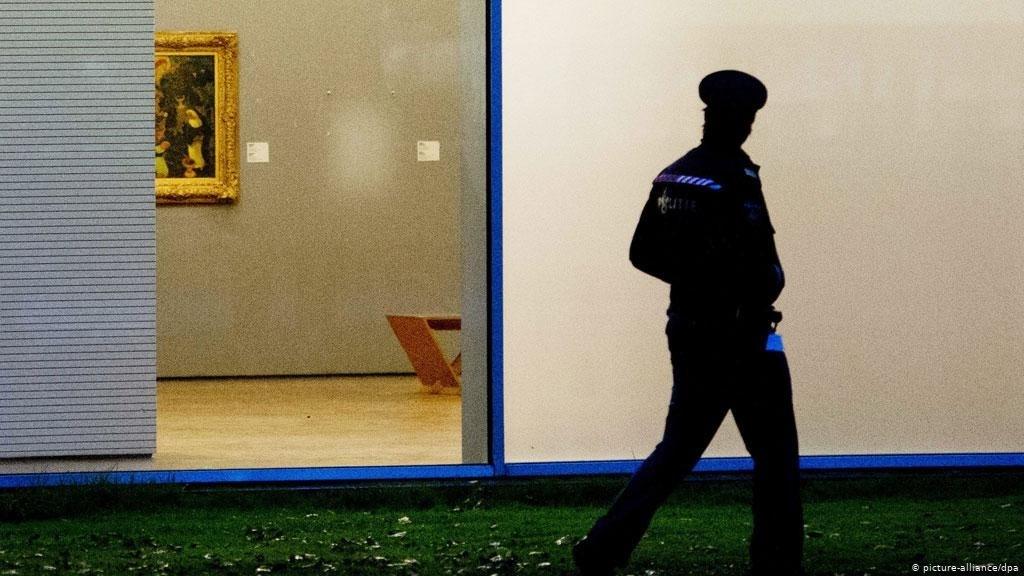 لصوص يسرقون أعمالاً فنية لدالي في العاصمة السويدية